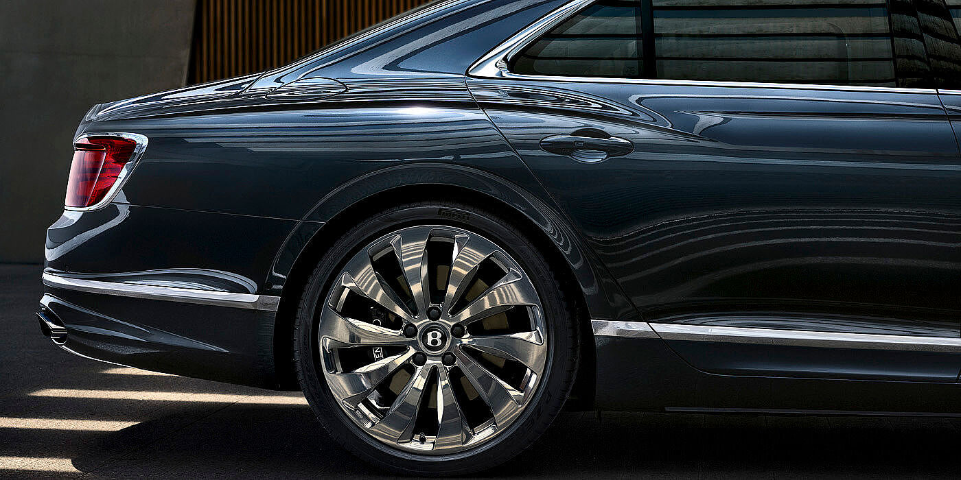 NEW-FLYING-SPUR-PROFILE-METEOR-PAINT-REAR-PROFILE-WHEELS-AND-TAILLAMPS